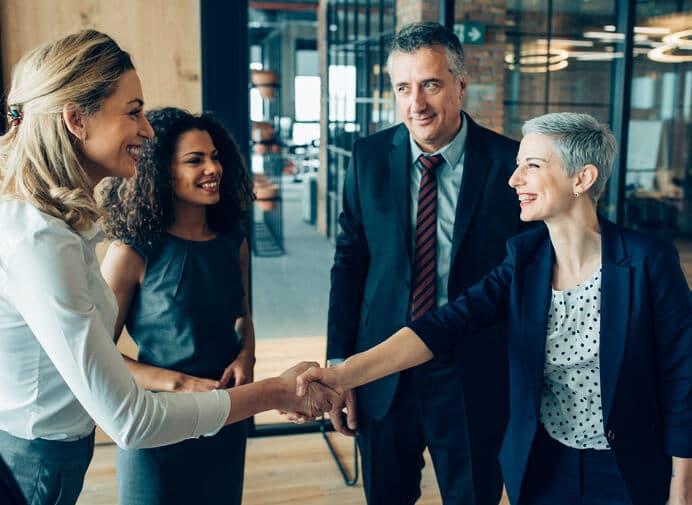 Saiba quais aspectos você deve considerar ao escolher a melhor assessoria de investimentos e descubra como fazer uma escolha assertiva para você e seu dinheiro