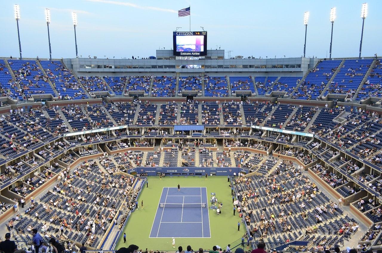 stadium 436081 1280 Praticar tênis é uma aula de investimento