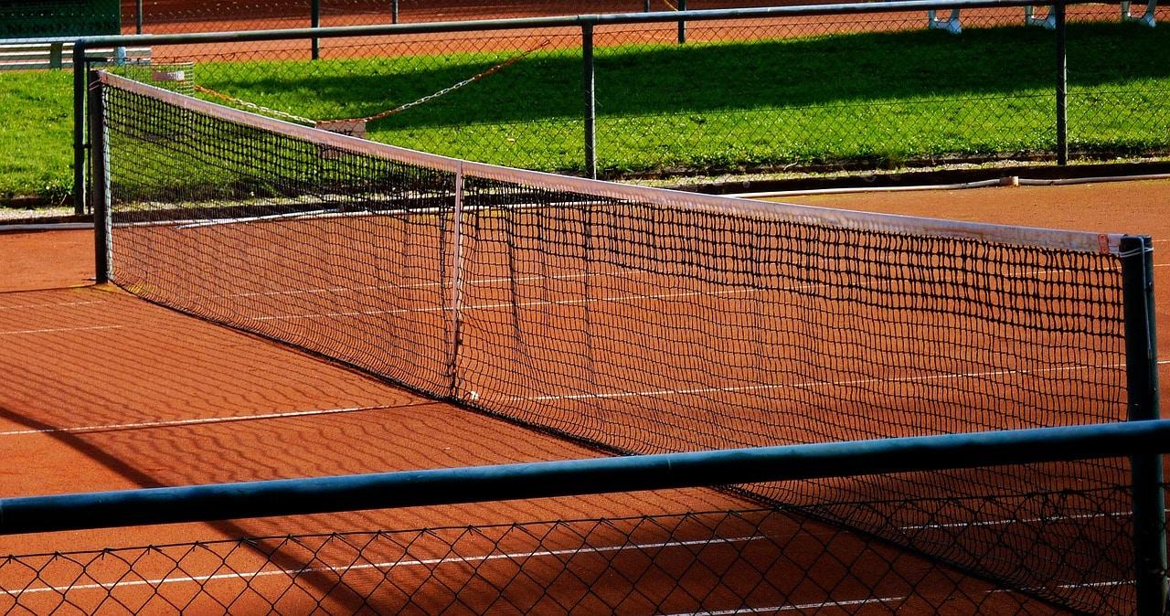 tennis 996321 1280 Praticar tênis é uma aula de investimento