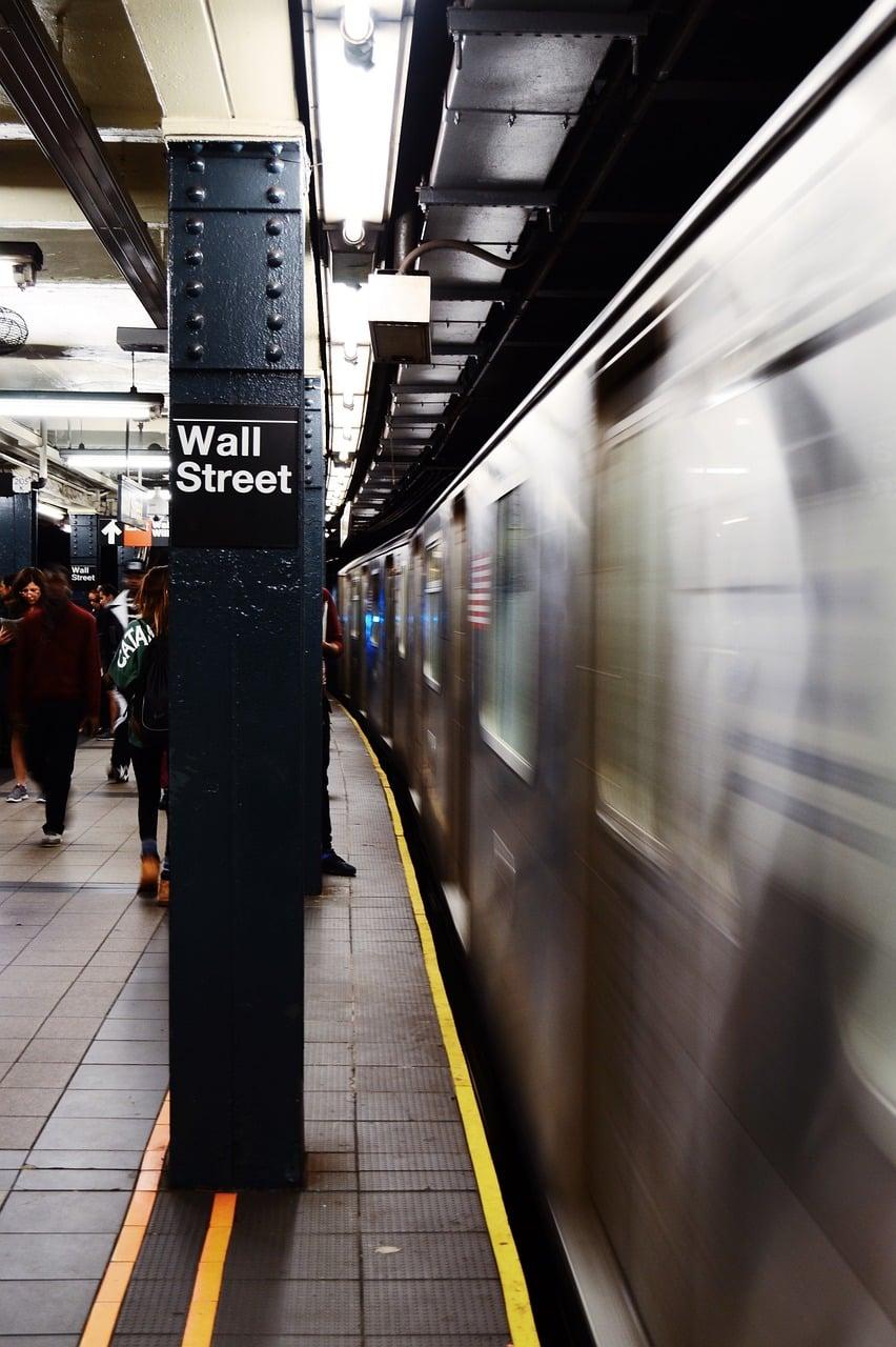 subway 1031302 1280 Ação fracionada: o que é e como comprar na prática?