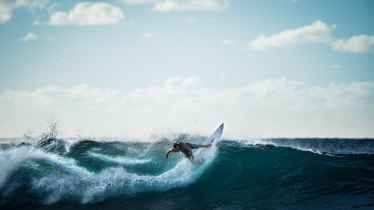 surfing 926822 1280 O que os esportes radicais têm em comum com os investimentos?